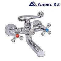 Смеситель ZEGOR DML3-A827  двуручный для ванны с литым изливом, дивертор поворотный 360°