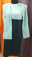Платье из зеленого жаккарда