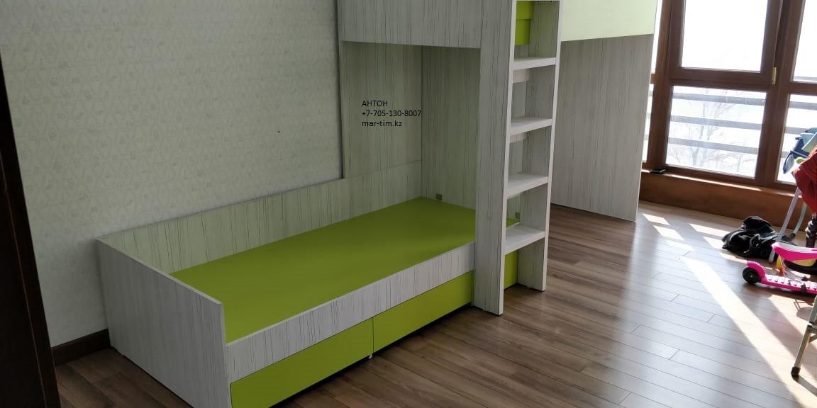 Кровать детская двухъярусная с нишей(домиком) для игр
