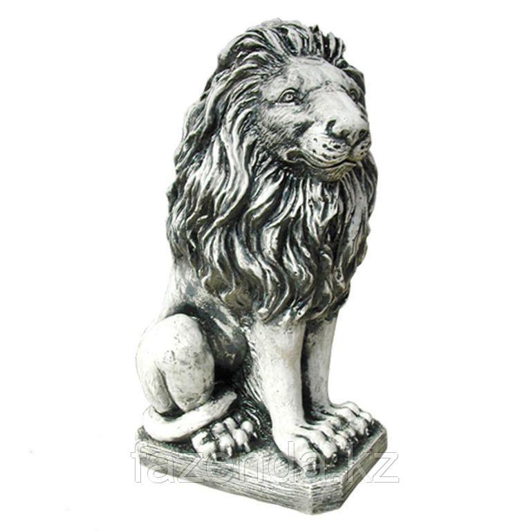 Лев на камне Н-50см