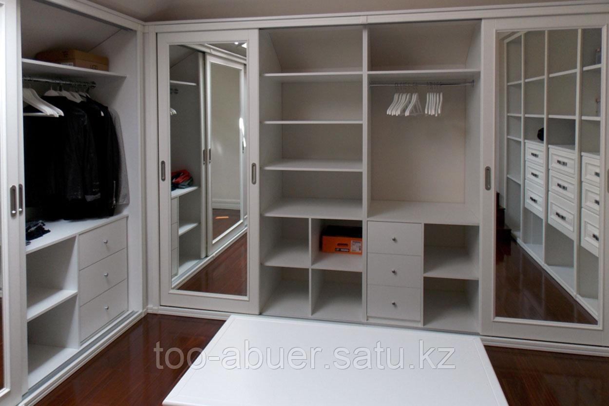 Гардеробная мебель