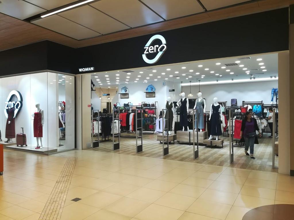 Торговое оборудование для сети магазинов одежды ZERO.