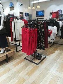 Торговое оборудование для сети магазинов одежды ZERO.  18