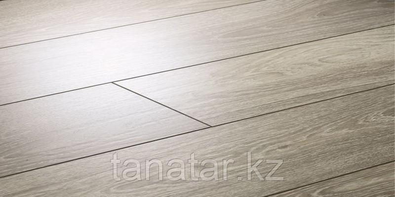 Ламинат Floorpan BLACK Дуб прайс 33 класс 8 мм 4V