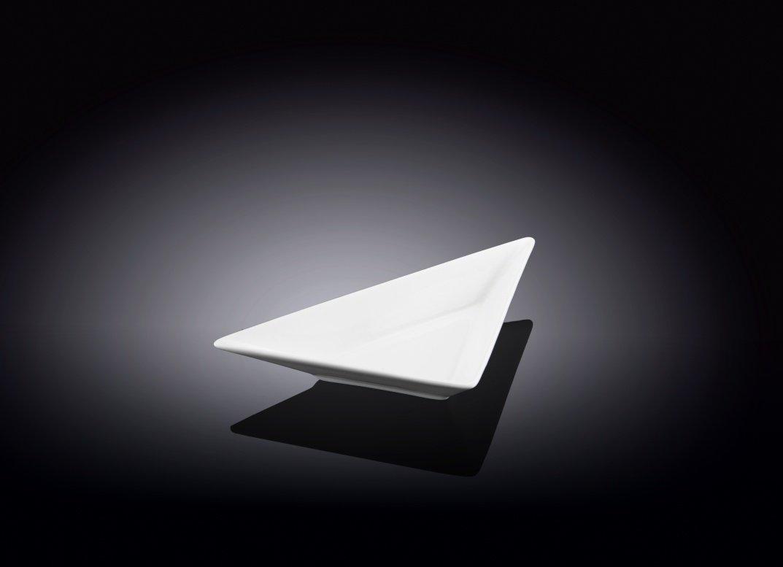 Блюдо треугольное Wilmax 18,5 см
