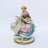 """Фарфоровая статуэтка """"Девушка и козы"""". Ручная работа. Италия"""