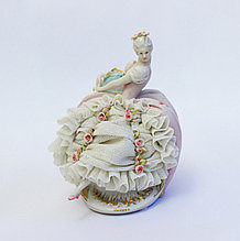 Фарфоровая статуэтка Леди в розовом платье. Ручная работа, Италия