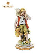Фарфоровая статуэтка Пастух с ягненком. Ручная работа, Италия
