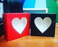 Коробка с окном в виде сердца 20*20,5*7,5см красная