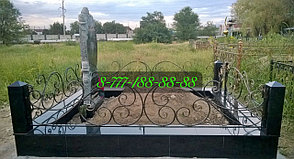 Мусульманская могила на кладбище