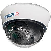 Бюджетная внутренняя купольная 1.3Мп IP-камера с вариофокальным объективом и ИК-подсветкой. 1/3'' CMOS матрица