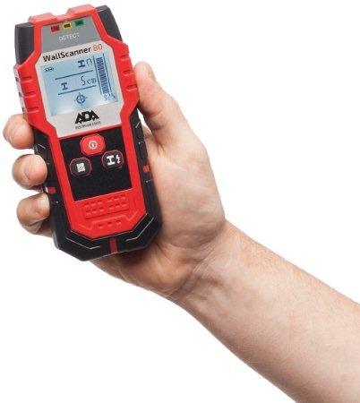 Благодаря резиновым вставкам на корпусе детектор ADA Wall Scanner 80 удобно лежит в руке
