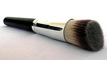 Кисть для макияжа, для растушевки тональной основы