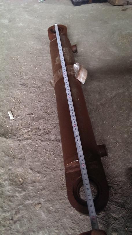 Гидроцилиндр подъёма-опускания битумного распределителя ДС-142Б (Гребёнки)