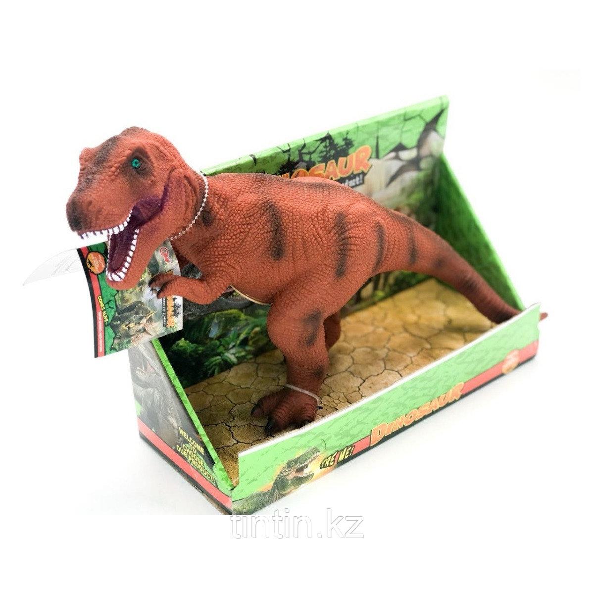 Резиновый рычащий динозавр