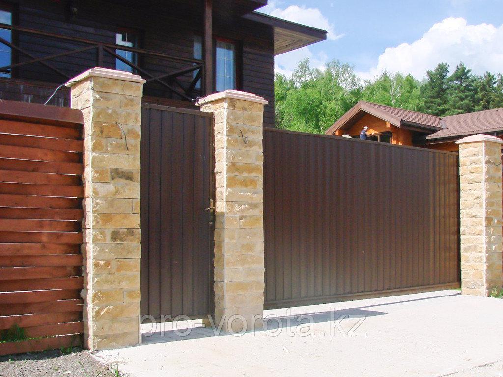 Откатные уличные ворота с заполнением профлистом REVOLUTION-SLD
