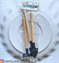 Набор малых, садовых, инструментов. Материал наконечника: Сталь. Черенок: Дерево.