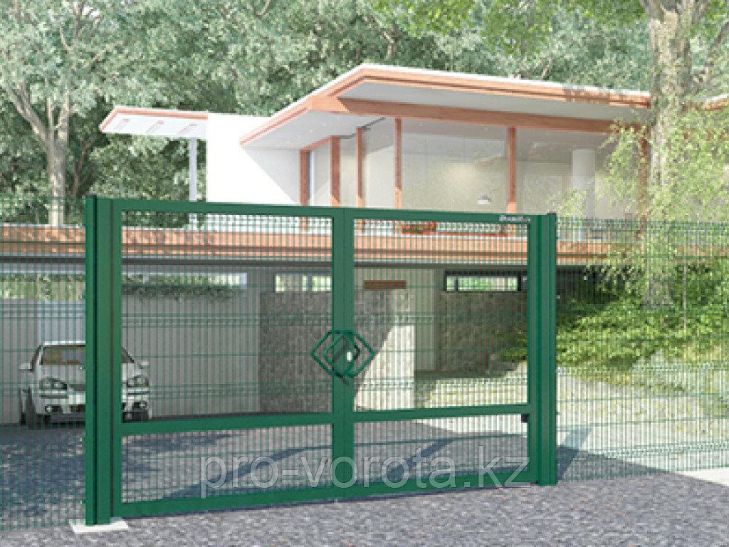 Распашные ворота со стальной рамой и  с заполнением сварной сеткой