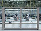 Распашные ворота со стальной рамой и  с заполнением сварной сеткой, фото 3