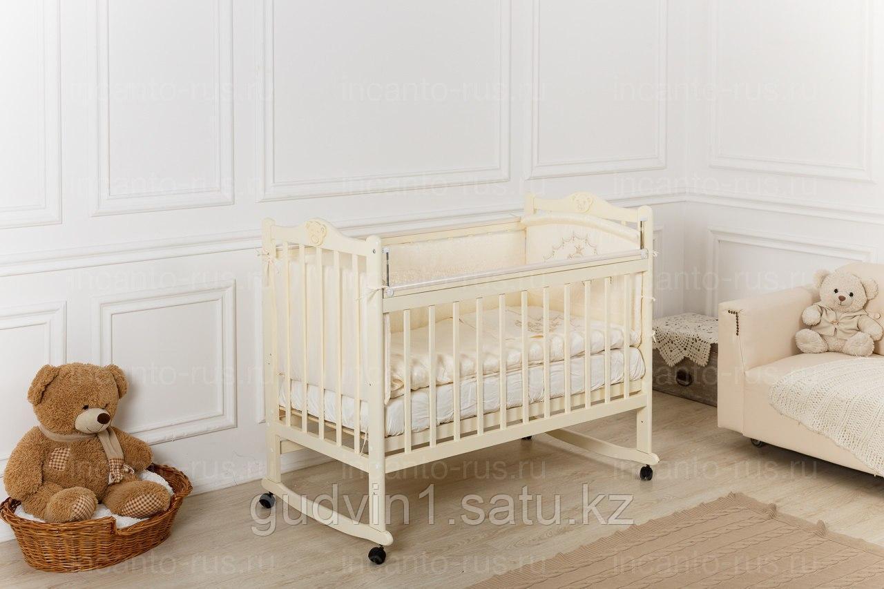 Кровать «Incanto Pali» с мишкой, цвет слоновая кость, колесо-качалка 00-88591
