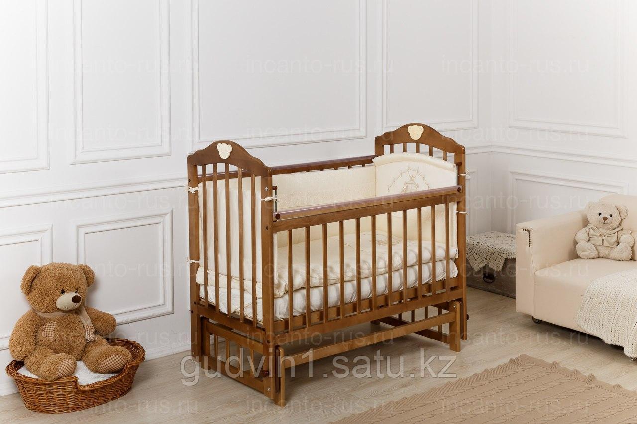 Кровать «Incanto Pali»  орех с мишкой, поперечный маятник, 00-88590