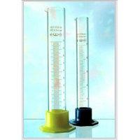Цилиндр 3 мерный с носиком и пластмассовым основанием 3-500-2