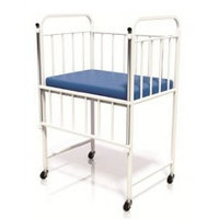 Кровать для новорожденных (на колесах) КД-02