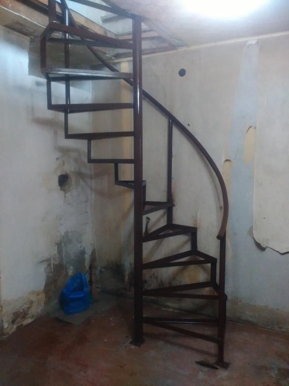 Винтовая лестница в Алматы