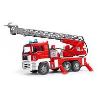 Пожарная машина Bruder MAN с лестницей и помпой с модулем со световыми и звуковыми эффектами, фото 1