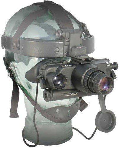 """Очки ночного видения  """"Dedal DVS-8-A"""" удобно крепятся на голове и почти не обременяют пользователя благодаря небольшому весу и сбалансированному центру тяжести"""