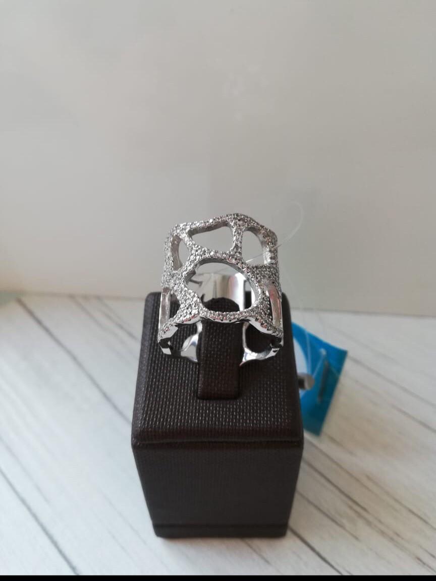 Кольцо  с цирконом / размер 17,5