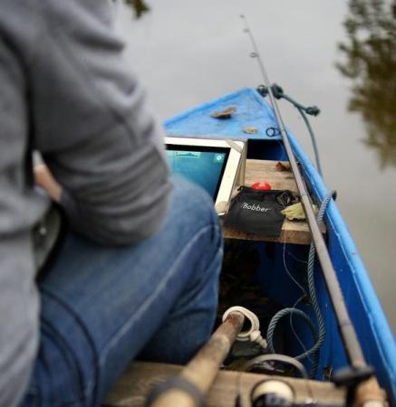 Рыбачьте с IBOBBER с берега или с лодки