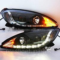 Передние фары на Camry V30 2001-06 R8 Style Black Color