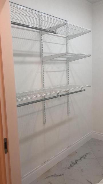 Установка системы в гардеробной комнате 23