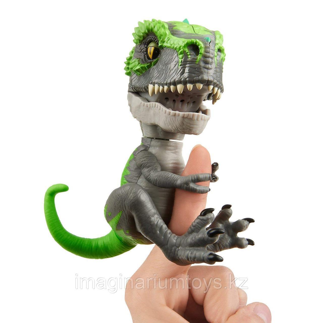 Fingerlings Динозавр Трэкер интерактивная игрушка