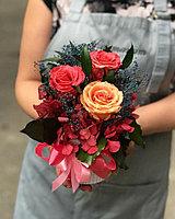 """Стабилизированная цветочная композиция """"Винтаж"""" (розы, рускус, гортензия,плющ, гипсофила)"""