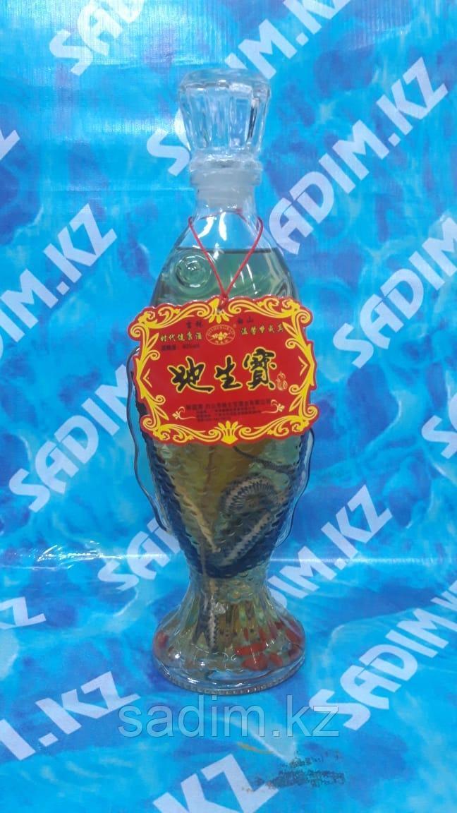 Китайская настойка со змеей и корнем женьшеня ( Водка со змеей )