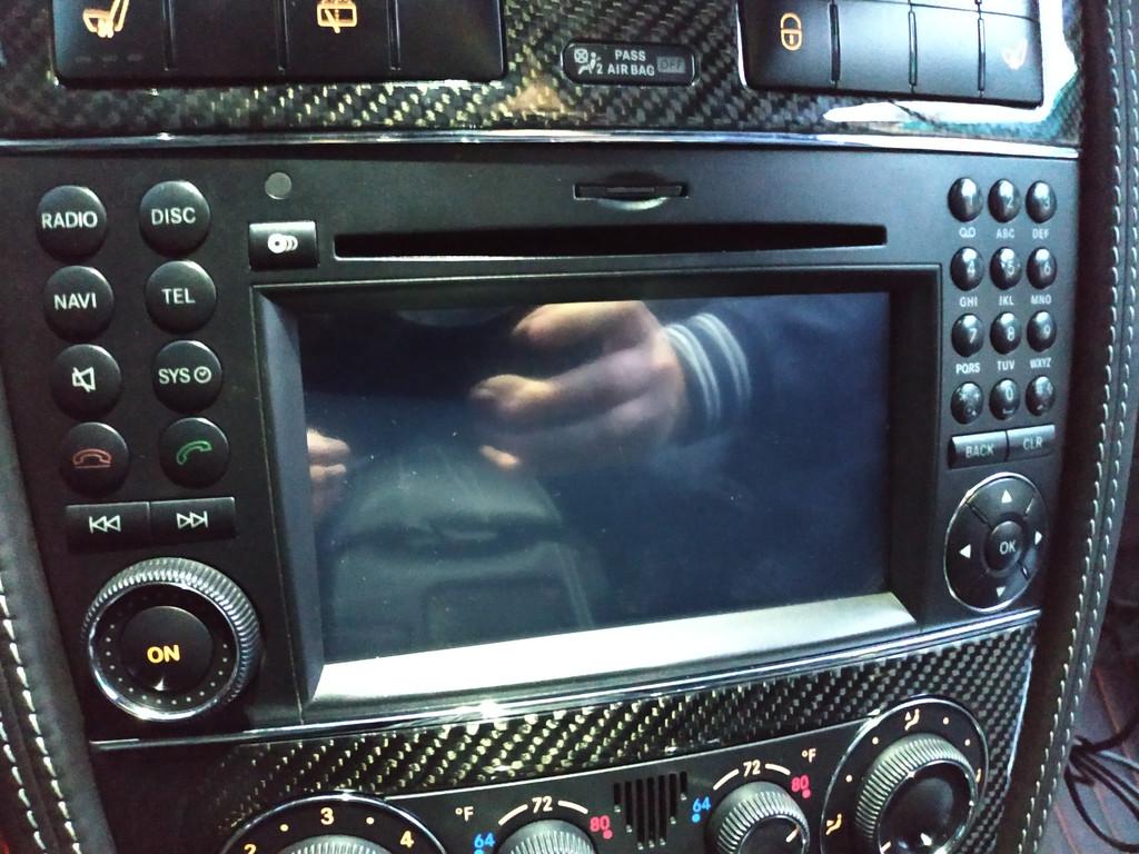 Установлен Android box для Mercedes benz AMG дополнительно инсталлирован сенсорный экран 1