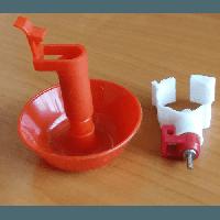 Ниппельная чашечная поилка на трубу 25 мм