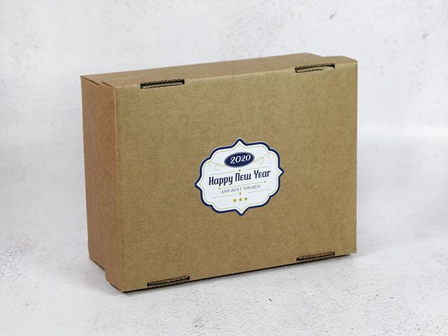 Наклейка на готовую коробку.