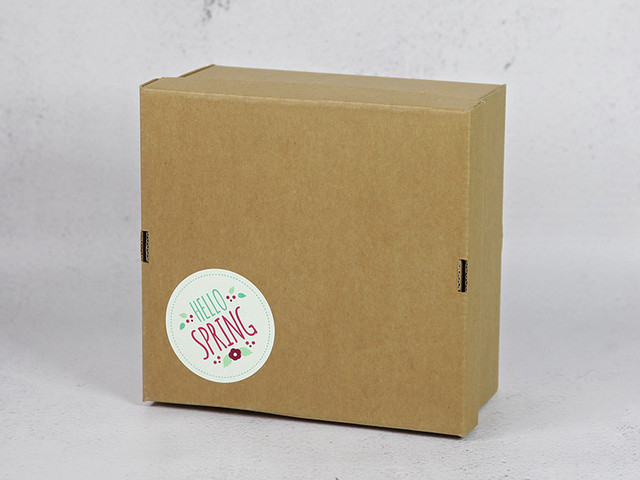 Наклейка на готовую коробку