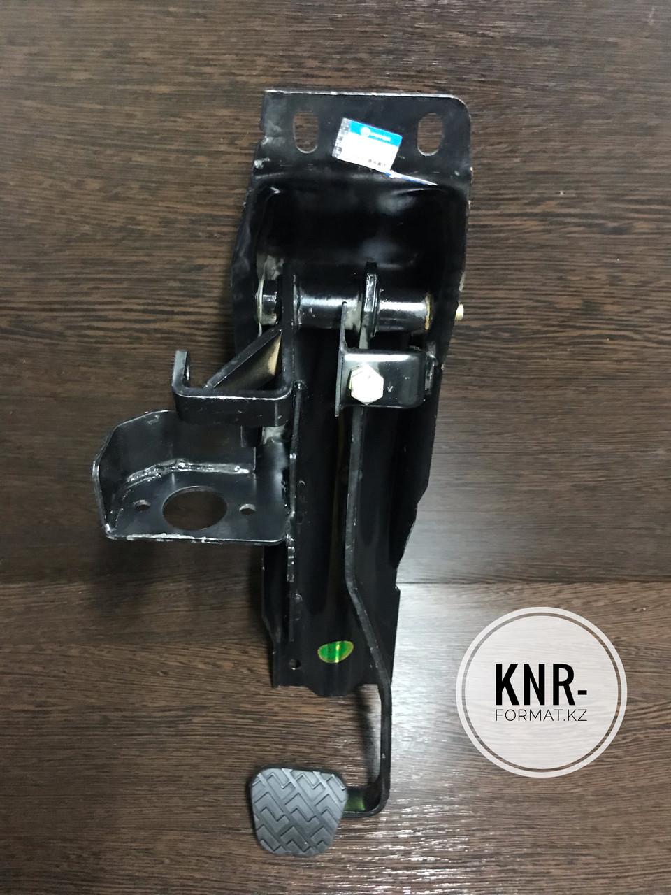 Педаль сцепления FOTON AUMARK BJ1043V9JEA-SB  FOTON BJ5043V9JEA-SB