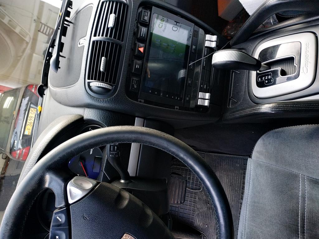 Головное устройство нового поколения под управлением Android разработанное специально для Porsche Cayenne