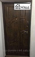 Дверь входная шпонированная в квартиру