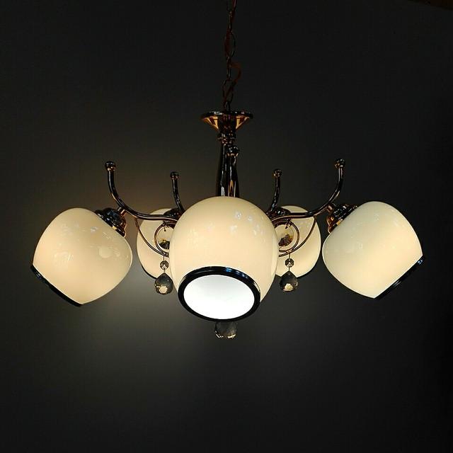 На 5-6 лампочек