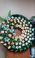 Венок траурный ритуальный из искуственных цветов и ткани Венок круглой формы и в виде капли