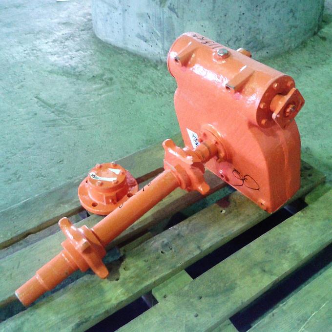Редуктор привода транспортера в сборе КДМ-130Б.31.20.000