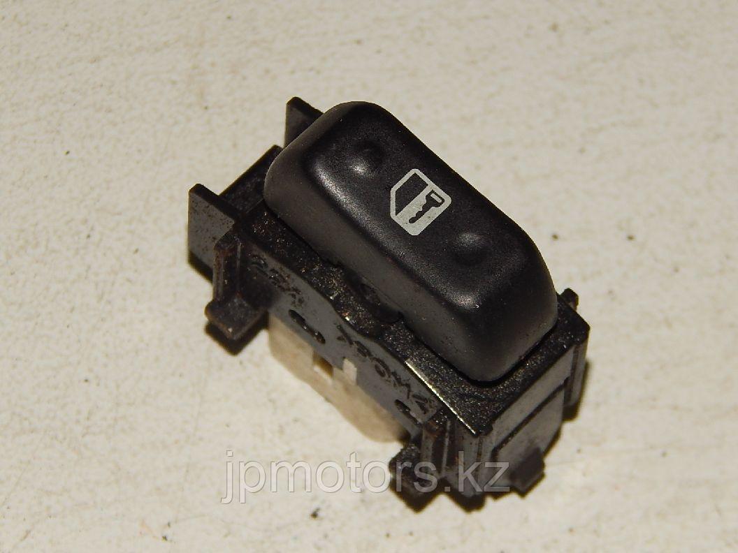 Кнопка замка двери toyota 4runner 215 2003-2009