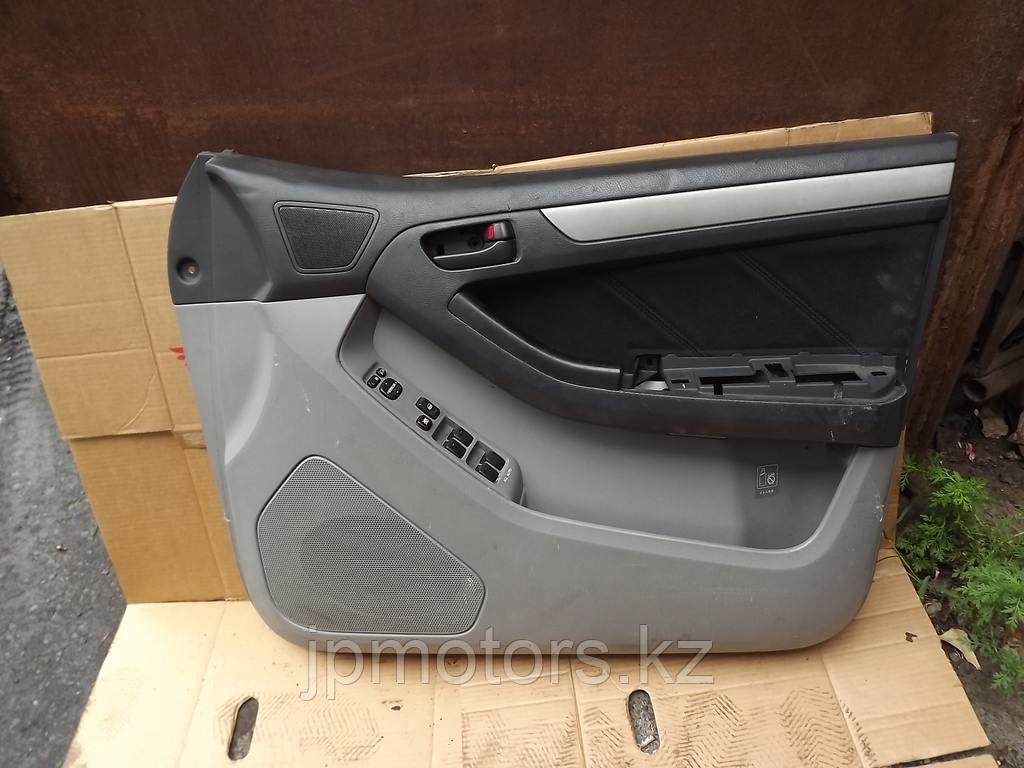 Обшивка передней правой двери toyota 4runner 215 2003-2009