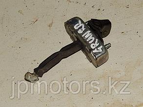 Ограничитель задней двери (r-l) toyota 4runner 215 2003-2009